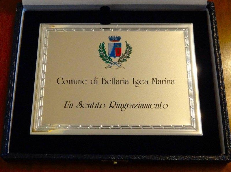 La targa con cui è stato premiato Riva a Bellaria