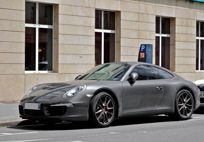 Una Porsche 911 Carrera