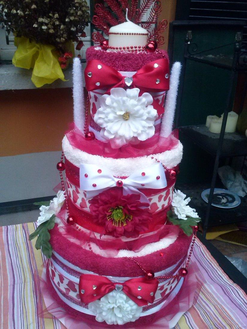 Una torta di pannolini