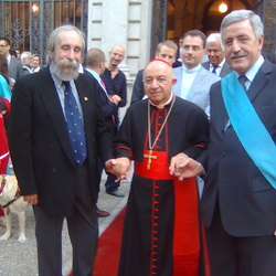 Giorgio Moniotto con Tettamanzi e Podestà in occasione del conferimento Premio Isimbardi nel 2011