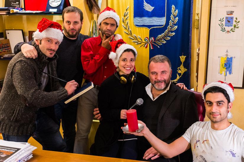 Il Sindaco Alessandrini con lo staff di Radio Segrate