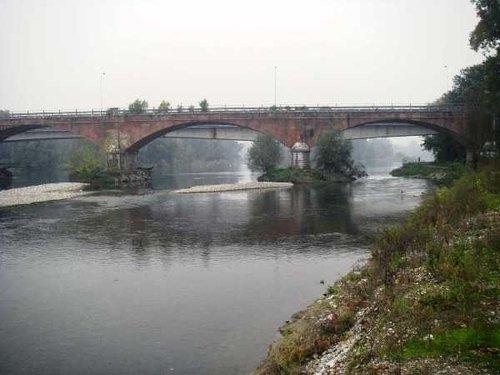 Il ponte sul fiume Adda, a Bisnate