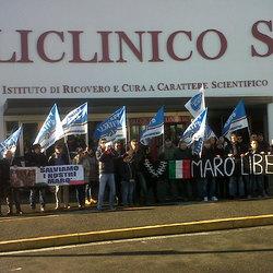 La manifestazione a sostegno dei Marò