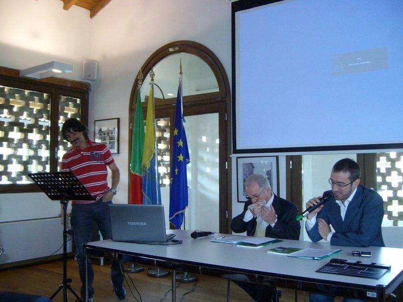 Paolo Micheli durante la Leopolda segratese