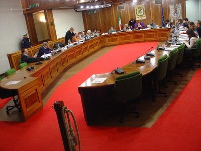 Una seduta del Consiglio Comunale di Peschiera Borromeo