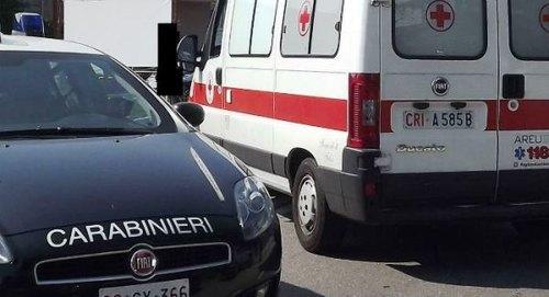 Carabinieri e ambulanza