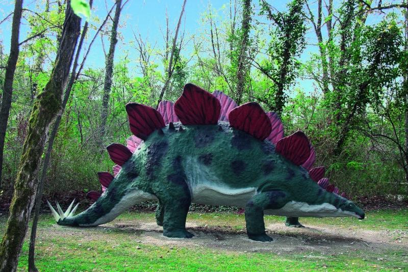 Una riproduzione presente nel parco