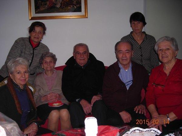 La festeggiata assieme ad amici e parenti