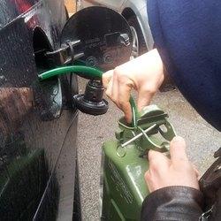 Furto di gasolio da un'auto