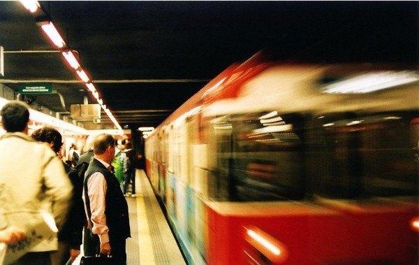 Pendolari sulla linea Rossa