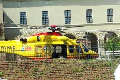 L'elisoccorso atterrato nei pressi del castello