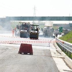 L'asfaltatura del tracciato Tem