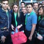Alcuni dei militanti colpiti, al centro Nicole Pignarca candidata della Lega Nord