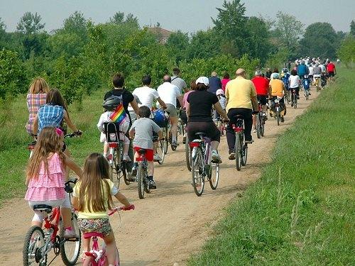 Biciclettata attraverso Peschiera Borromeo
