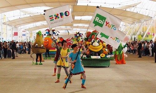 La parata delle mascotte a Expo