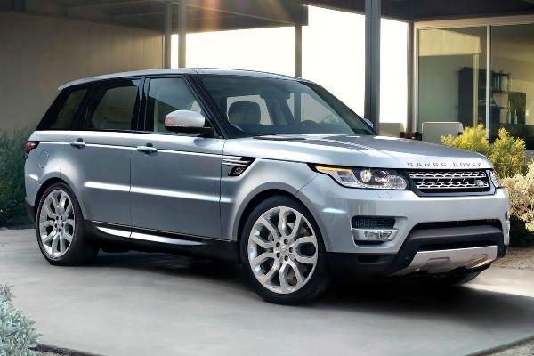 Un Range Rover Sport, auto sottratta all'attaccante dell'Inter
