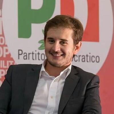 Il portavoce della segretria metropolitana Paolo Razzano