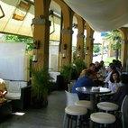 Lo spazio esterno del Satrincha Cafè