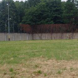 L'area del Peschierello dove sorgeranno i campetti multi sport