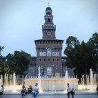 Il Castello Sforzesco e i giochi d'acqua della sua fontana
