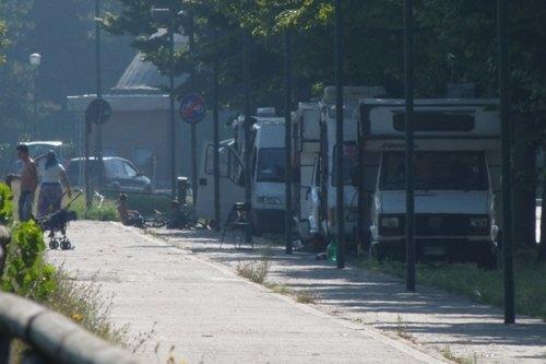 Un insediamento di camper rom