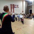 Il Sindaco applaude i concorrenti delle scuole materne