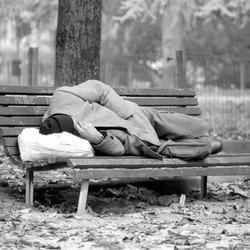 Un senzatetto