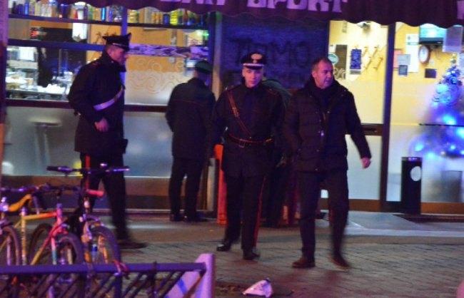 I carabinieri sul luogo dell'agguato