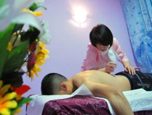 Monopolio cinese dei centri massaggi a luci rosse