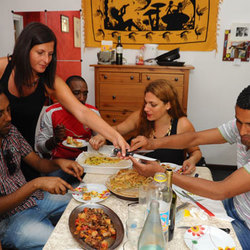 Una famiglia di Milano che aveva aderito all'iniziativa