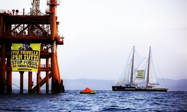 Attivisti di Greenpeace in azione