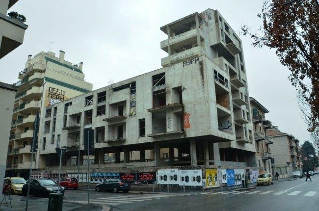 Lo stabile di via Lattanzio dove è avvenuta la tragedia