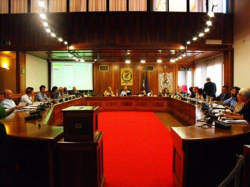 L'inizio del primo Consiglio Comunale con Molinari sindaco