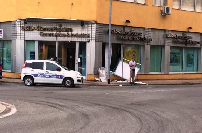 La filiale UBI assaltata