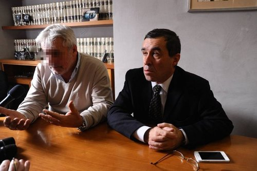 Rodolfo Corazzo (a sx) insieme al suo avvocato