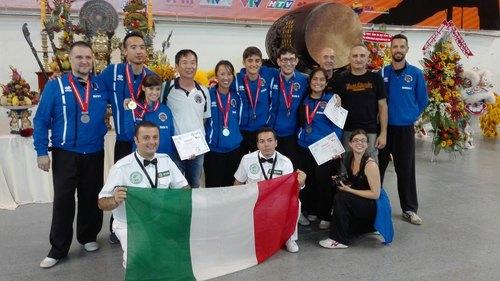 La delegazione della scuola milanese