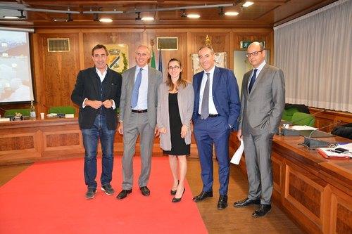 Da sinistra: il sindaco Checchi, il dott. Bosio, il sindaco Molinari, l'assessore Gallera, il dott. Alparone