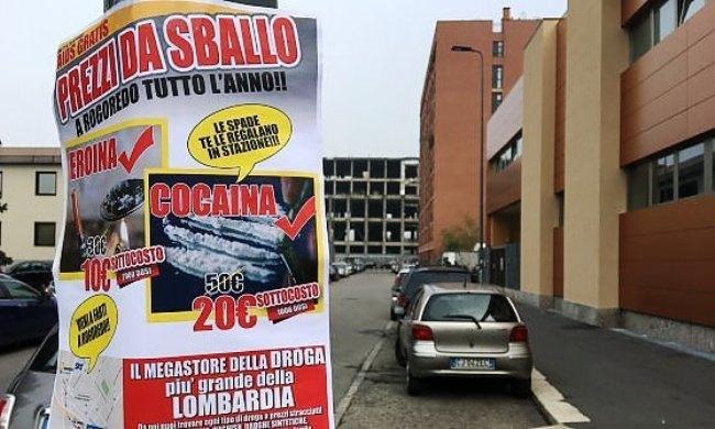 Uno dei manifesti affissi dalla popolazione esasperata