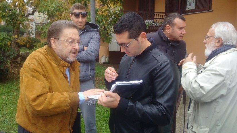 Riccardo De Corato mentre rilascia un commento