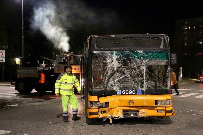 L'autobus dopo lo schianto