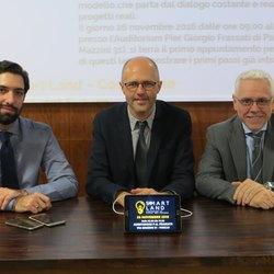 il sindaco Lorenzini, Gabriele Guida a sx e Massimiliano Consolati a dx