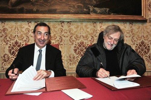Da sx: Beppe Sala, sindaco di Milano, e Gino Strada, fondatore di Emergency