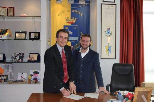 Il nuovo vicesindaco di Segrate, Luca Stanca (a sx), con il primo cittadino Paolo Micheli