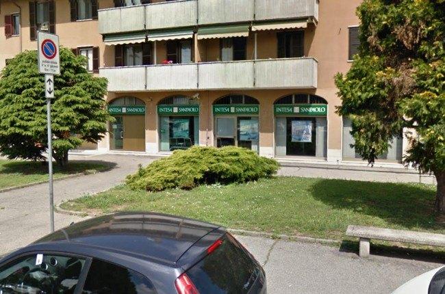 La filiale di Intesa San Paolo di piazza Puccini