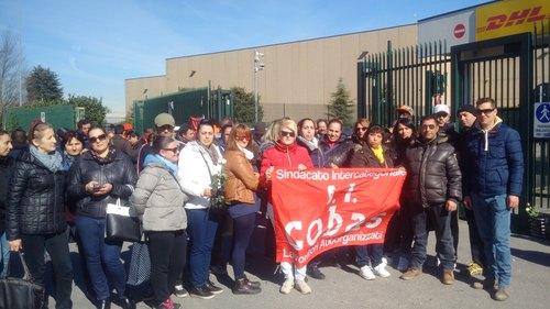 La protesta alla DHL di Settala