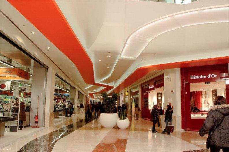 Il centro commerciale Galleria Borromea