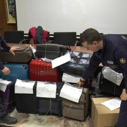 I bagagli recuperati dalla polizia Locale