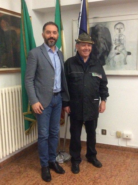 Da sx: Vito Bellomo e Benito Tinti, consigliere dell'Associazione nazionale alpini di Melegnano