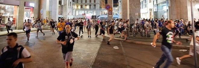La fuga dei tifosi da Piazza San Carlo (Fonte: Il Mattino)