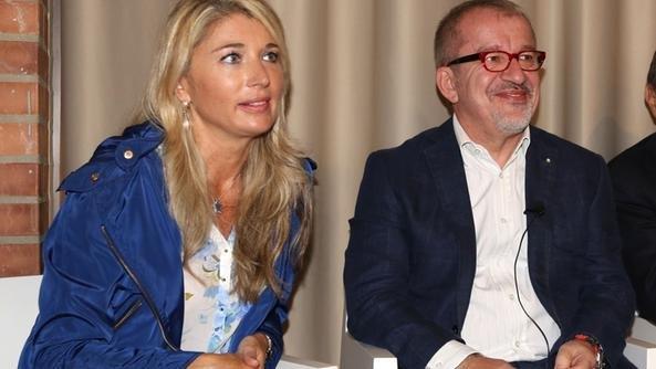 Viviana Beccalossi e Roberto Maroni